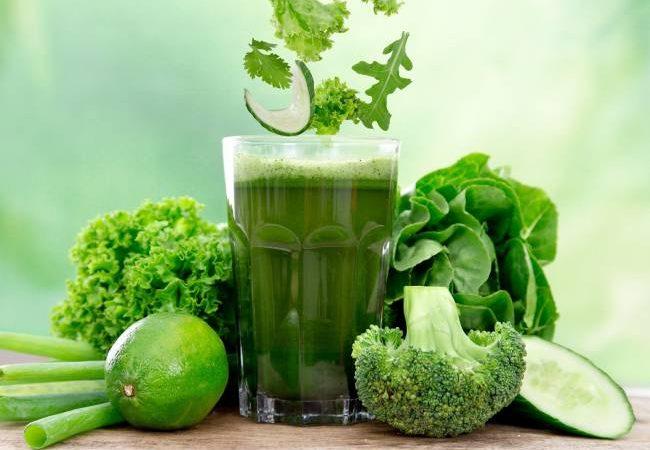 bigstock-Healthy-green-vegetable-juice-48815039