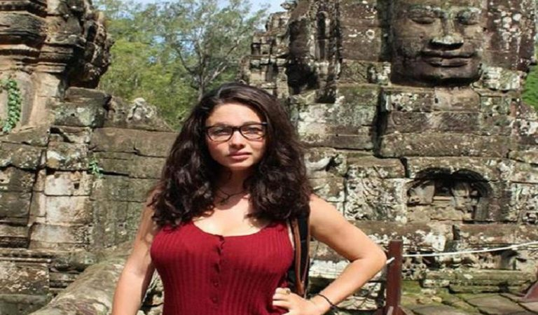 110917tourist_fleeing_sex_attacker_in_thailand_breaks_her_back_after_falling_down_cliff