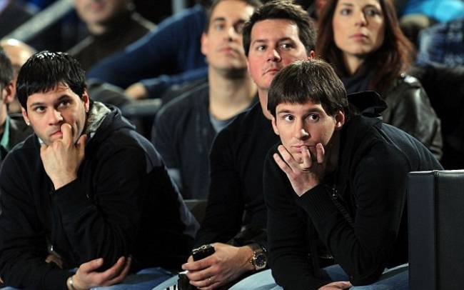 386e464800000578-3792524-matias_messi_was_accused_of_illegal_possession_of_a_weapon_after-m-52_1474018923352