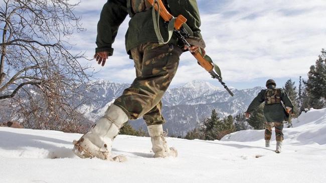 pak-_indian_troops_exchange_fire_26319_1475130843