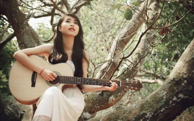 girl-with-guitar-profile-picture-caretofun-net-3