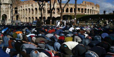 muslim_rome_mosque_colisseum_28423_1477142189