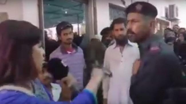 pakistani-journalist_28398_1477121111