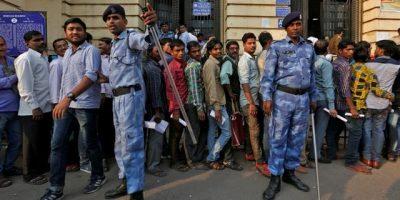 indiamoneyriotpolice-2