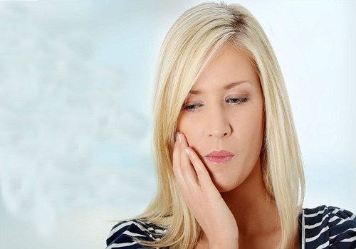 home-remedies-for-swollen-gums-750x450