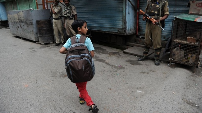 kashmir_schools_shut_down_after_deadly_shelling_29436_1478080230
