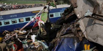 killed-in-india-train-crash_31563_1479800418