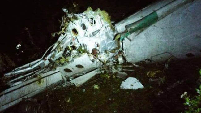 plane_carrying_brazilian_football_team_crash_in_colombia_32343_1480410849