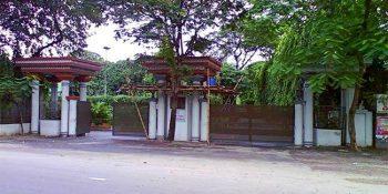 photo-1480843452