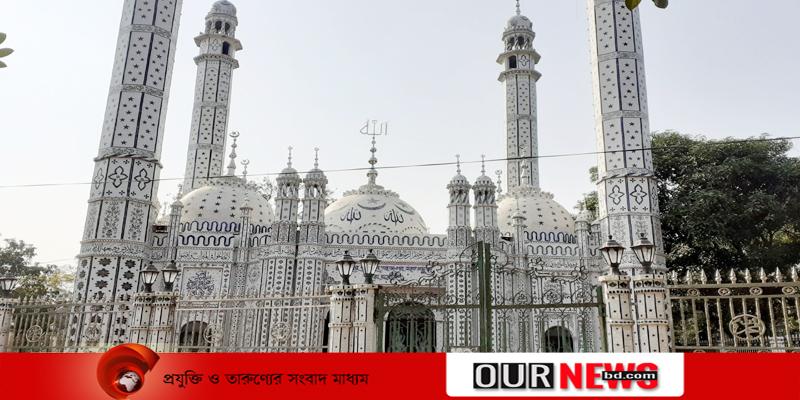 নজরকাঁড়া স্থাপনা কুমিল্লার বায়তুল আজগর সাত গুম্বুজ মসজিদ
